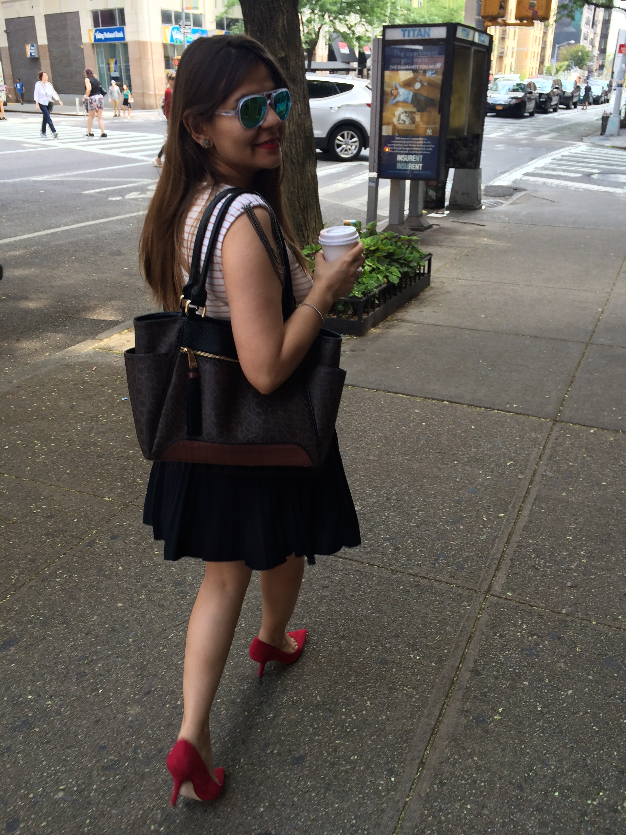 red_shoes_alleygirl_street_style
