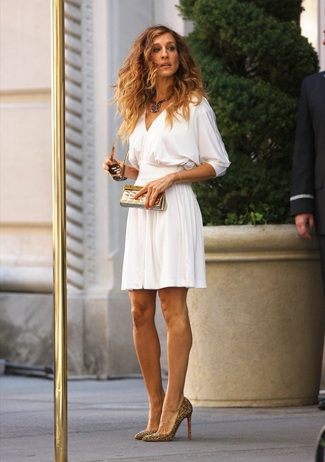 best carrie bradshaw looks according to alley girl 7