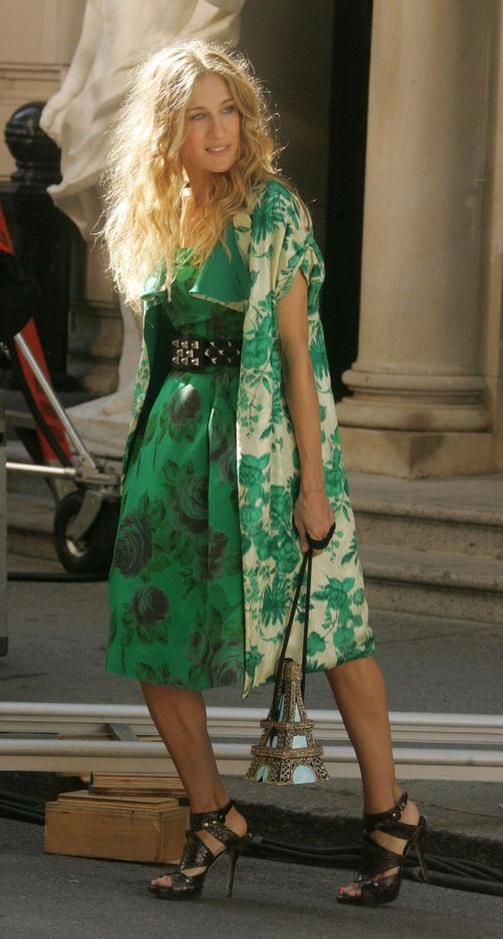 best carrie bradshaw looks according to alley girl 9
