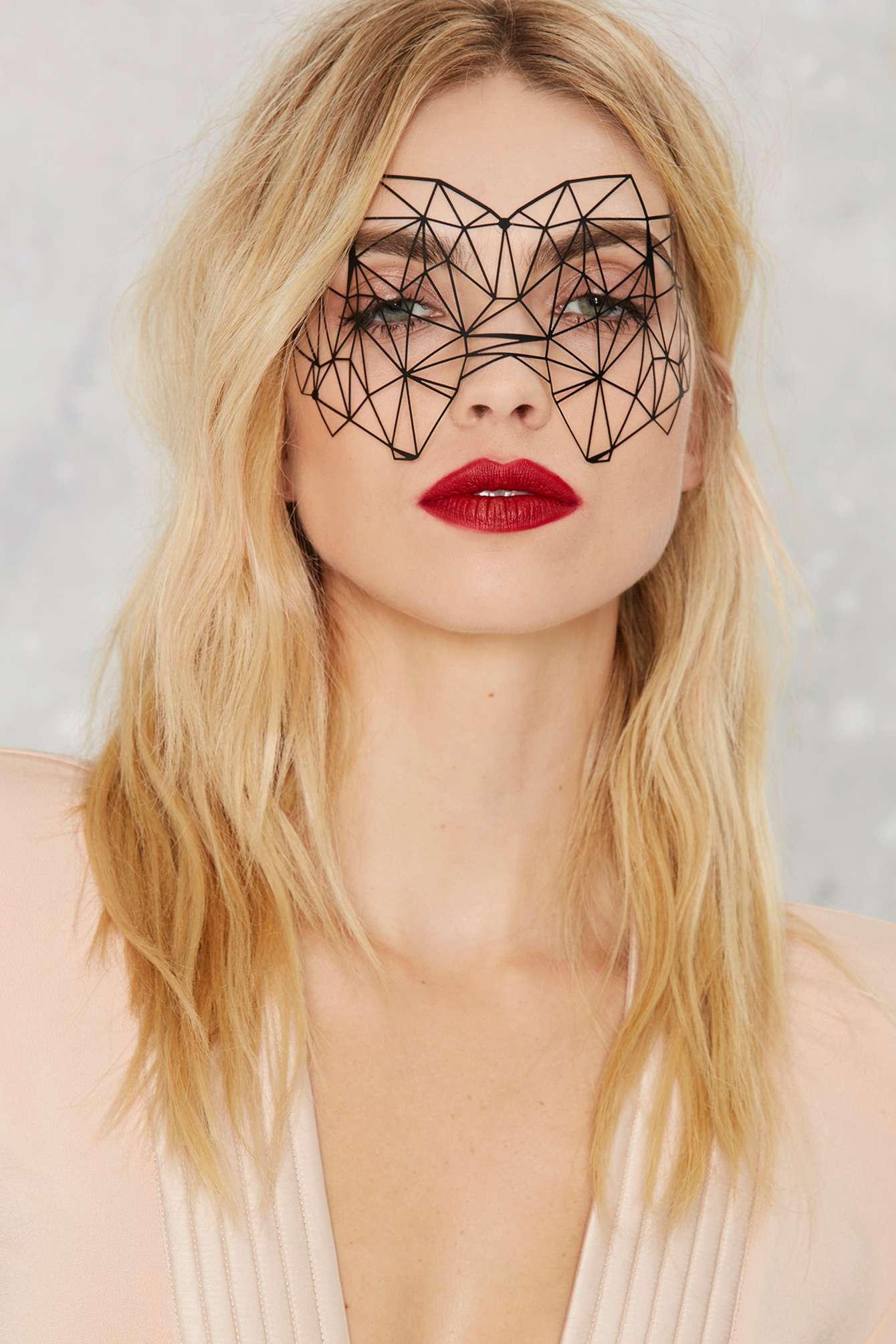 last_minute_halloween_costume_ideas_chep_accessories-11