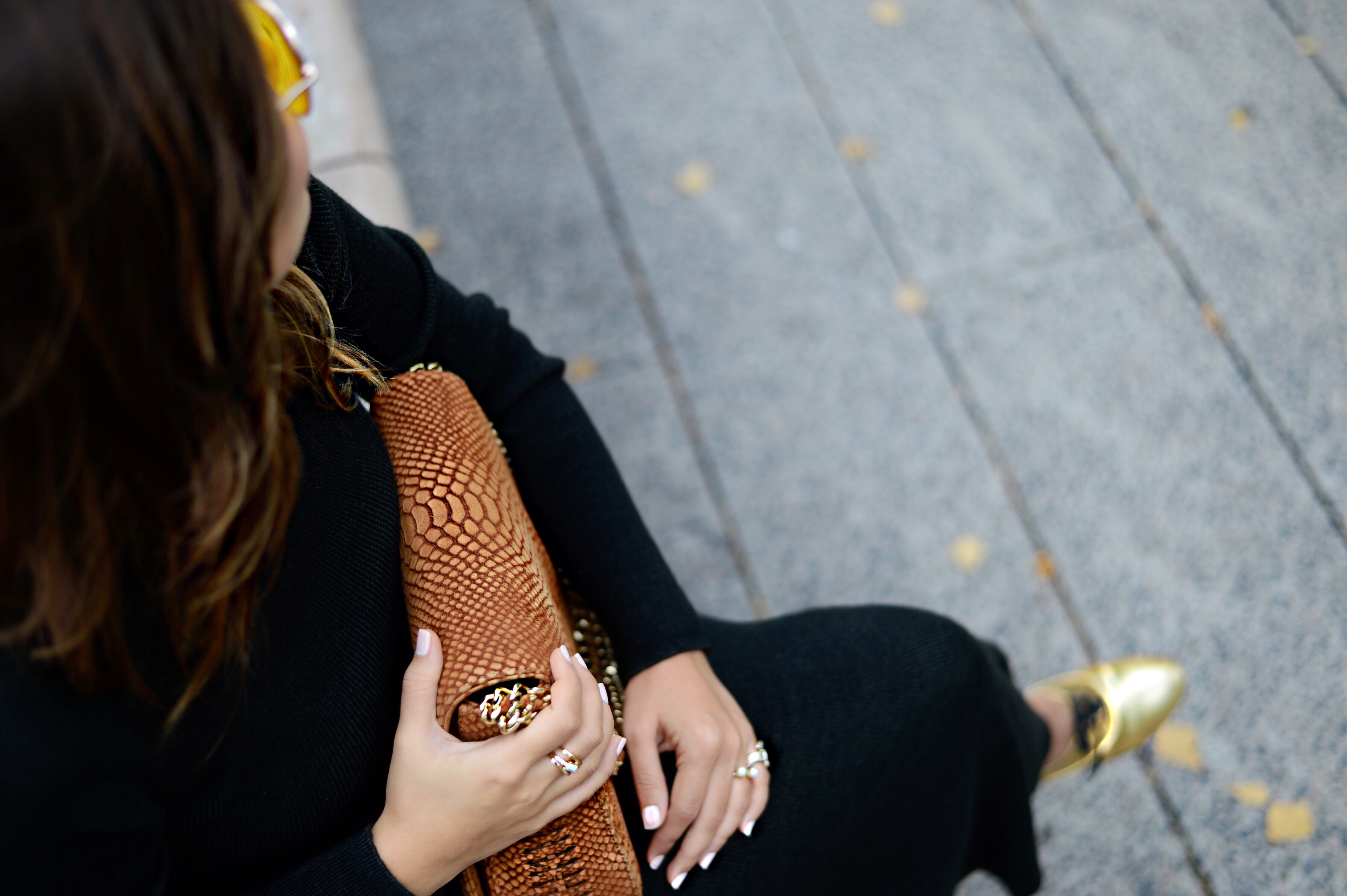 jersey-dress-gold-shoes-alley-girl-betul-yildiz-new-york-fashion-blogger-8