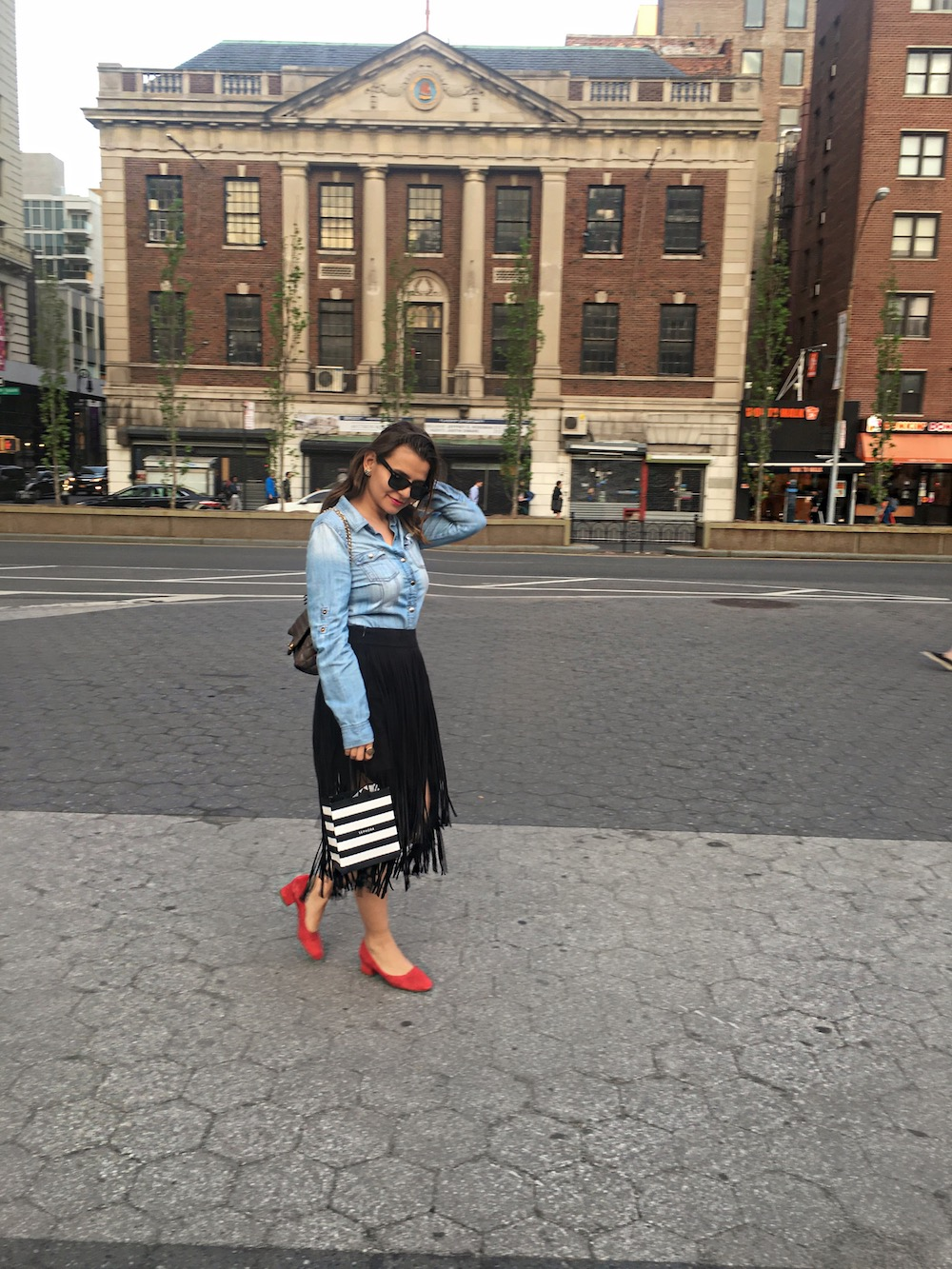 fringe-skirts-red-shoes-and-denim-shirt-alley-girl-new-york-fashion-blogger
