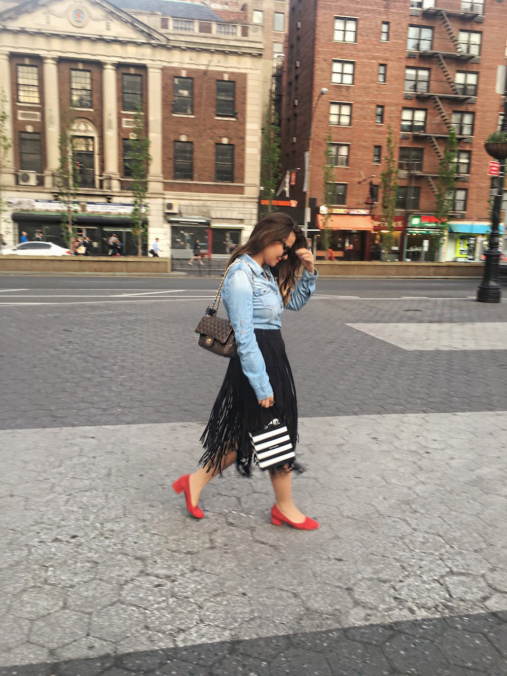 fringe-skirts-red-shoes-and-denim-shirt-alley-girl-new-york-fashion-blogger-7