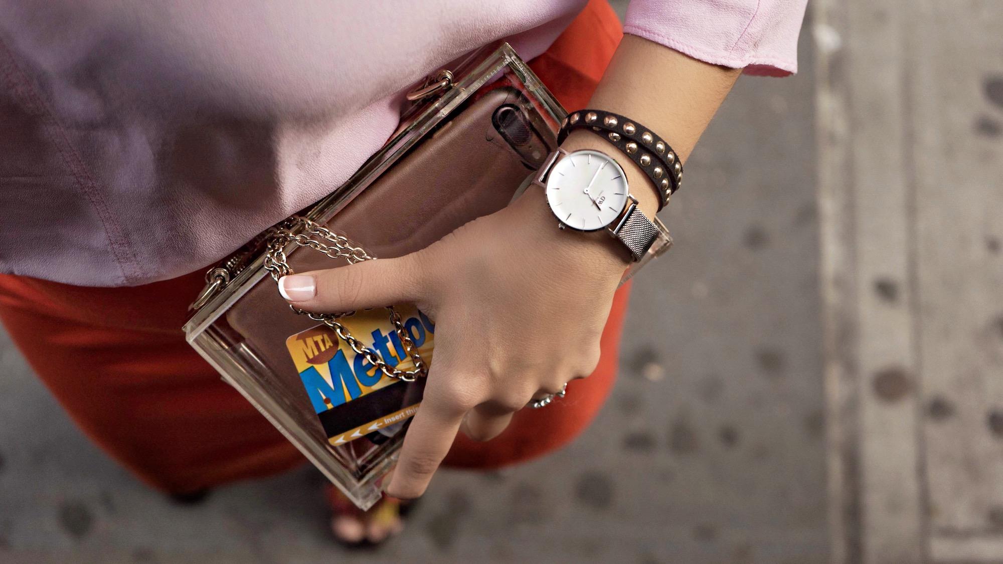 transparent-box-bag-daniel-wellington-petite-watch