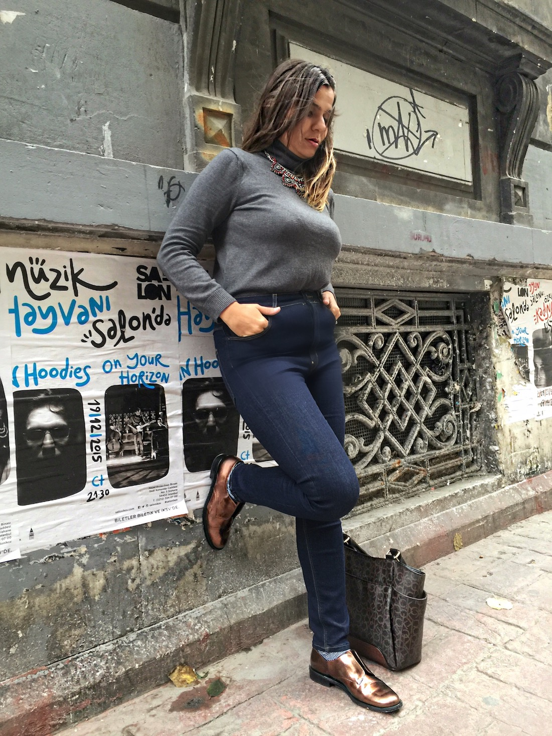 robert-clergerie-in-istanbul-alley-girl-fashion-technology-blogger-5