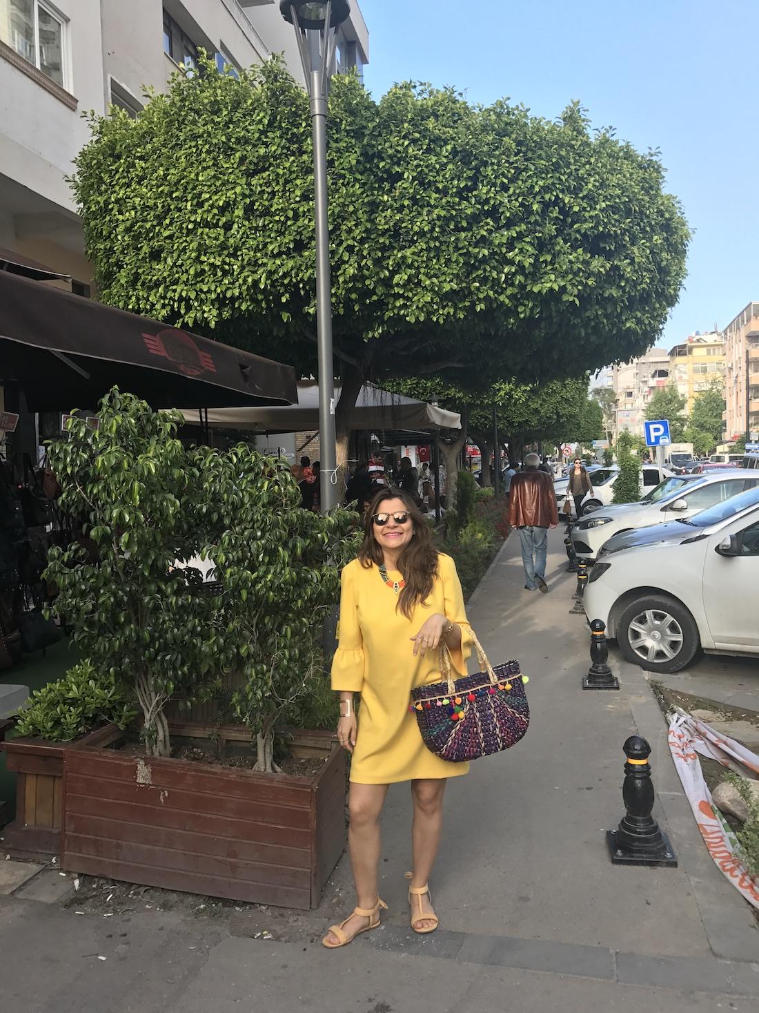 yellow-pregnancy-dress