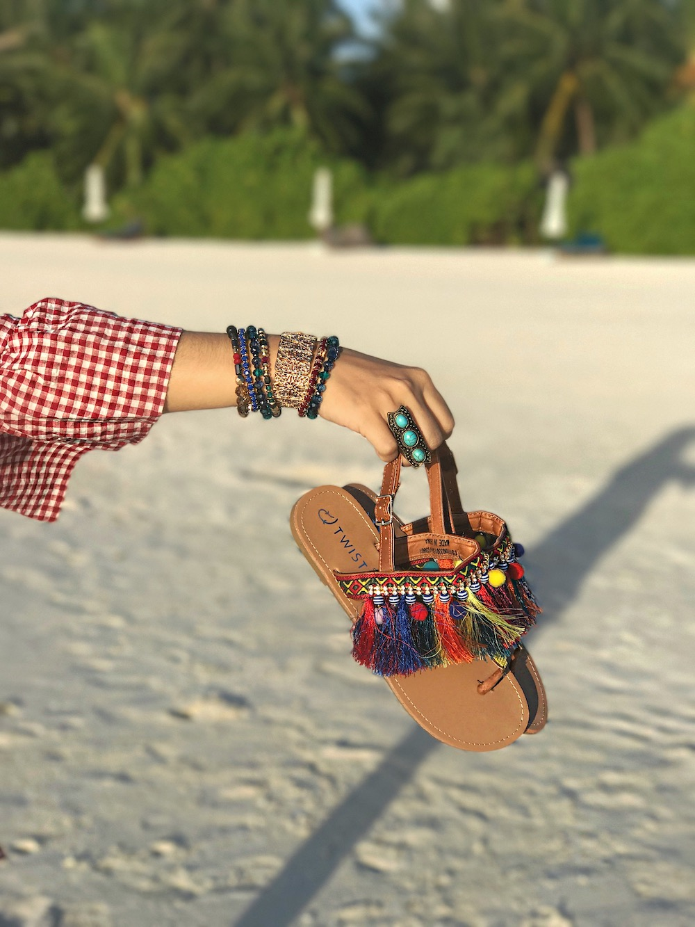 2017-summer-tassel-and-pom-pom-sandals-alley-girl-fashion-travel-life-style-blog