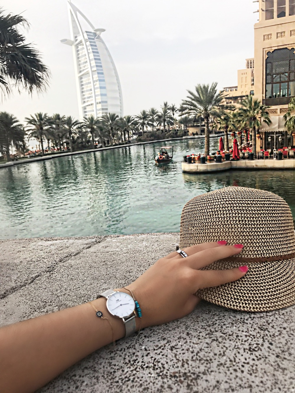 alley-girl-fashion-travel-luxury-blogger-daniel-wellington-dubai