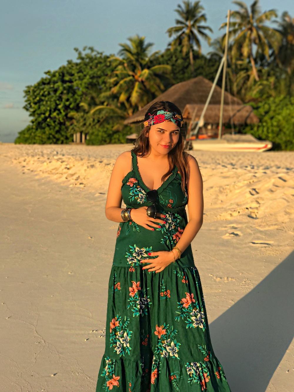 alley-girl-pregnant-photos-alley-girl-fashion-travel-life-style-blog