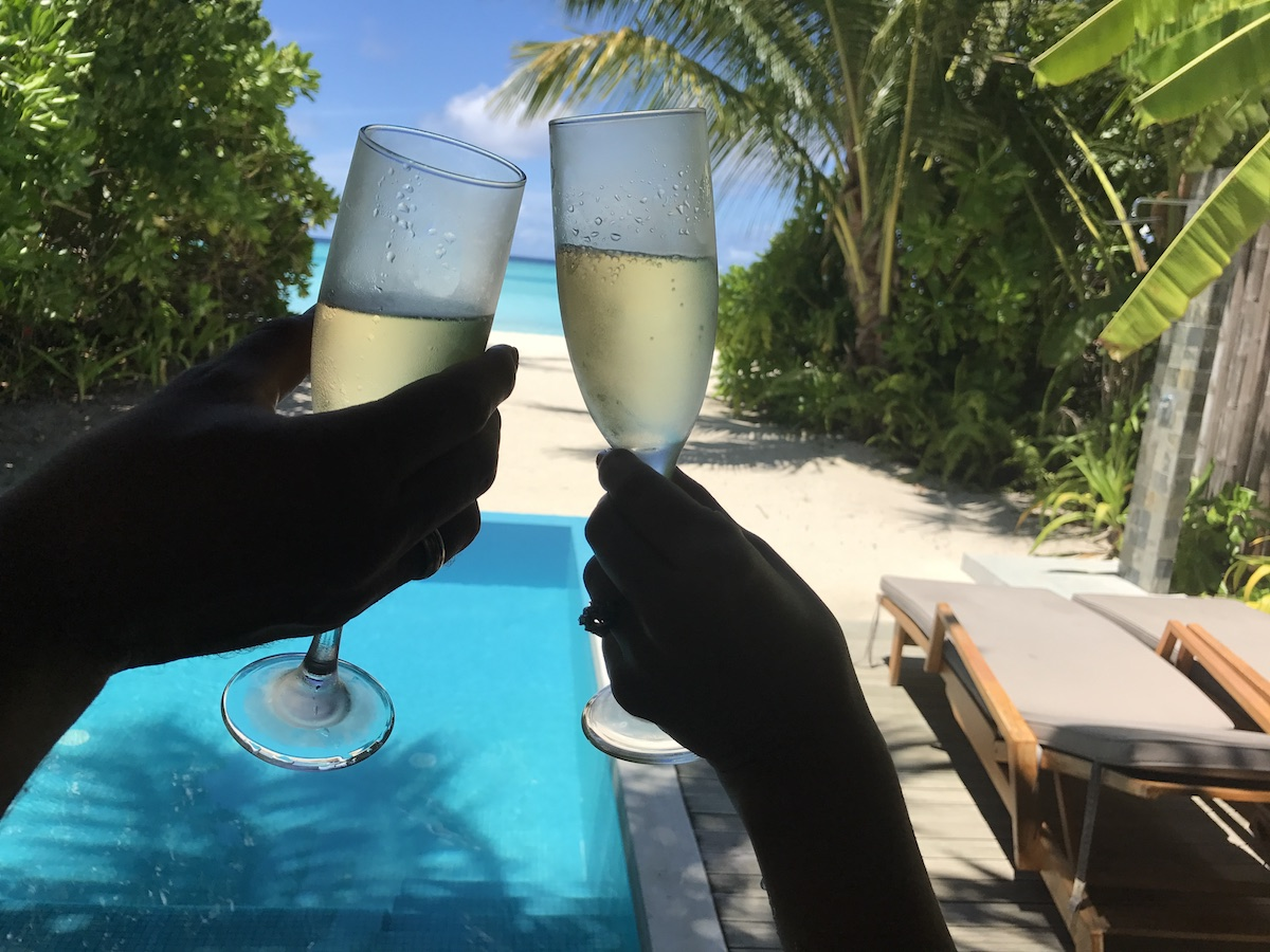 cheers-photos-in-maldives-alley-girl-fashion-travel-life-style-blog