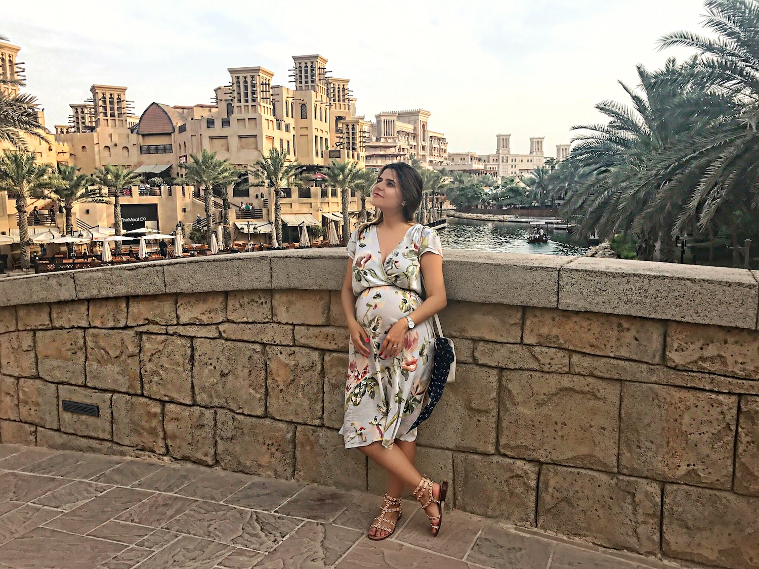 dubai-al-madinat-alley-girl-fashion-travel-luxury-blogger-betul-yildiz-new-york-lifestyle