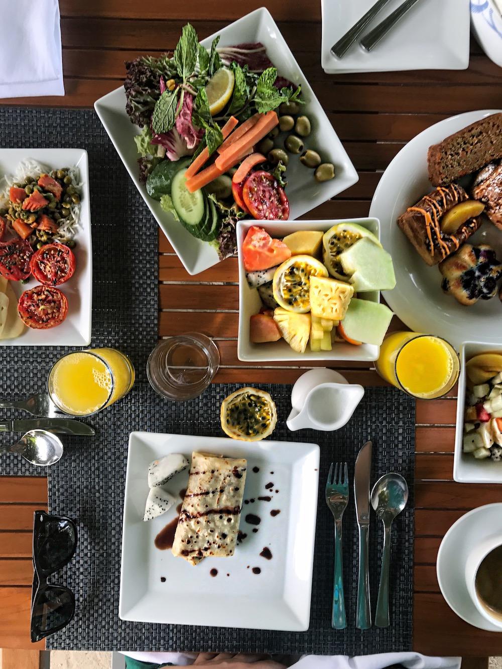 maldives-breakfast-alley-girl-fashion-travel-life-style-blog